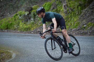 coureur vélo sur route